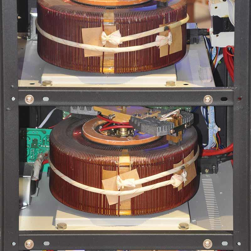 High Efficiency Servo Motor Type Three Phase Stabilizer PDR-10K/15K/20K/30KVA